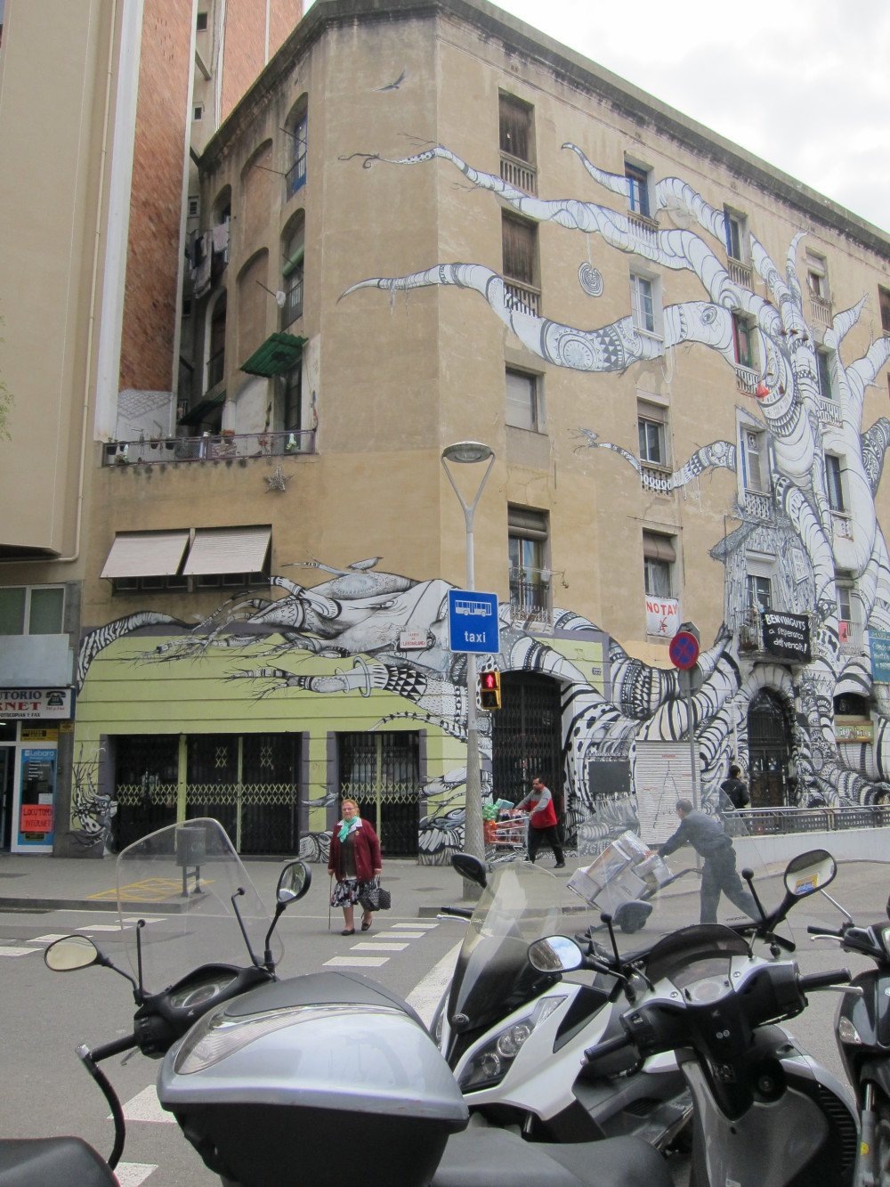 Street Art Continued in Barcelona