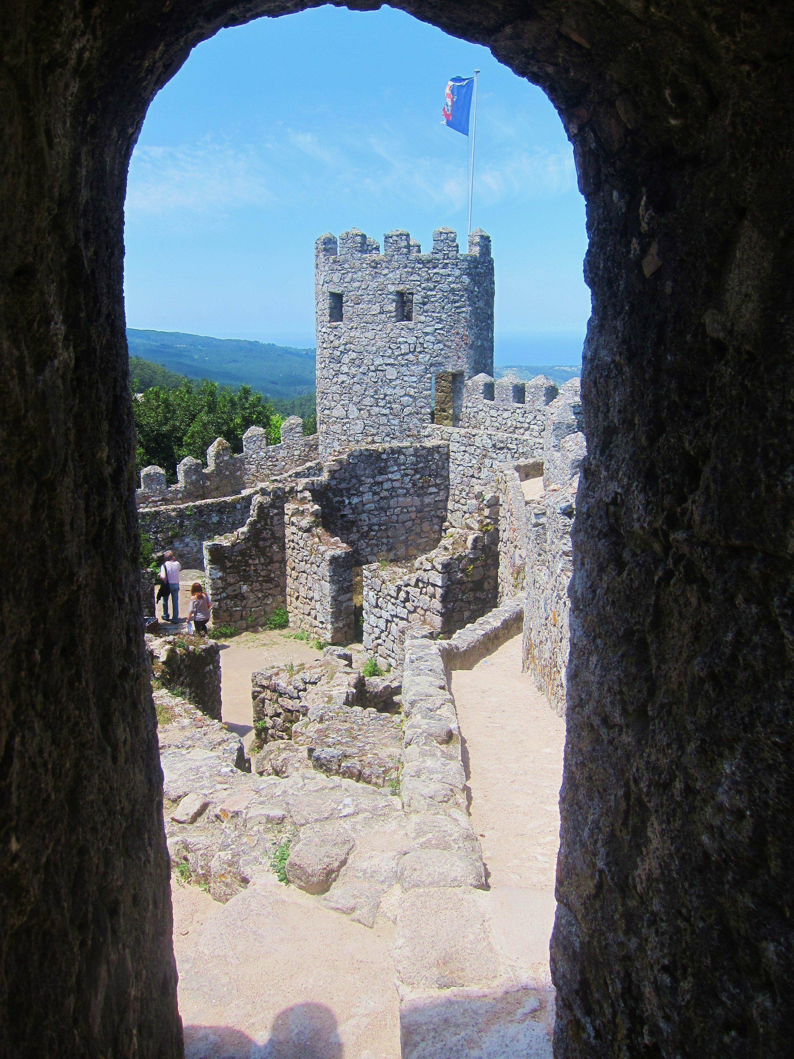 Fantastic Friday – Framed – Castelo dos Mouros Ramparts