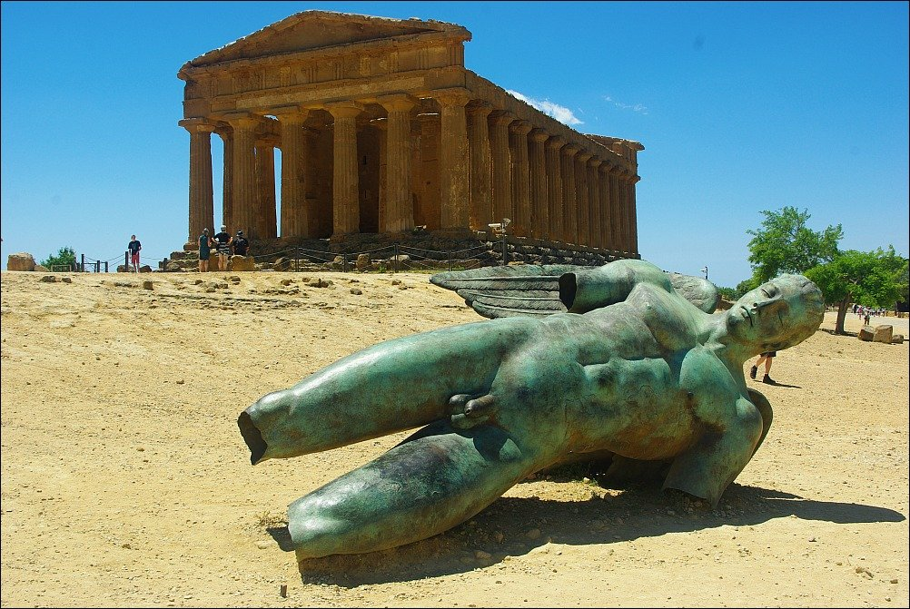 Is the Valley of the Temples at Agrigento Sicily really in a valley?