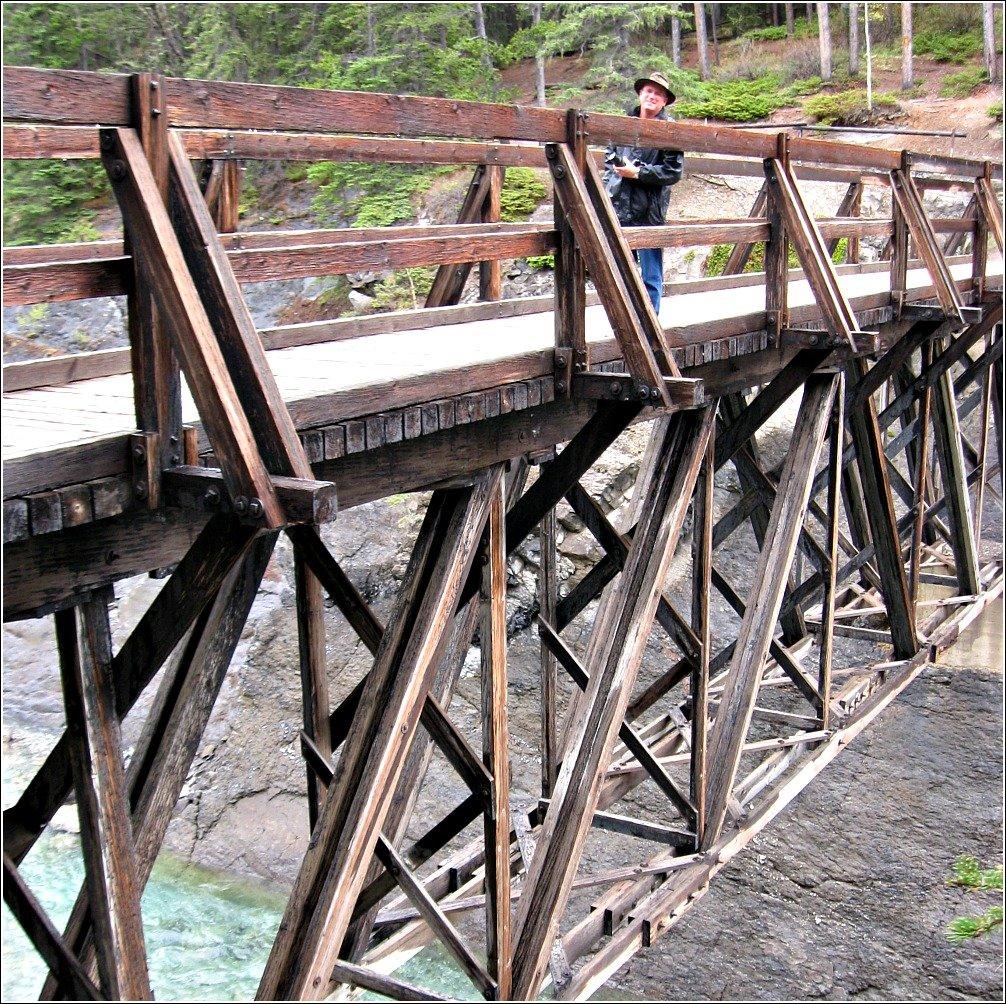 Footbridge of Cascade River on it's way to Lake Minnewanka