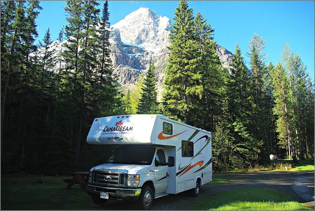 Kicking Horse Campground - Emerald Lake