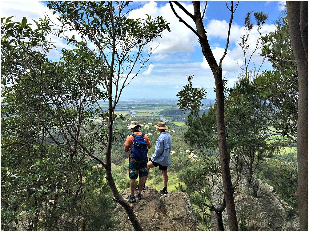 Mt Ninderry and the Cute Town of Yandina