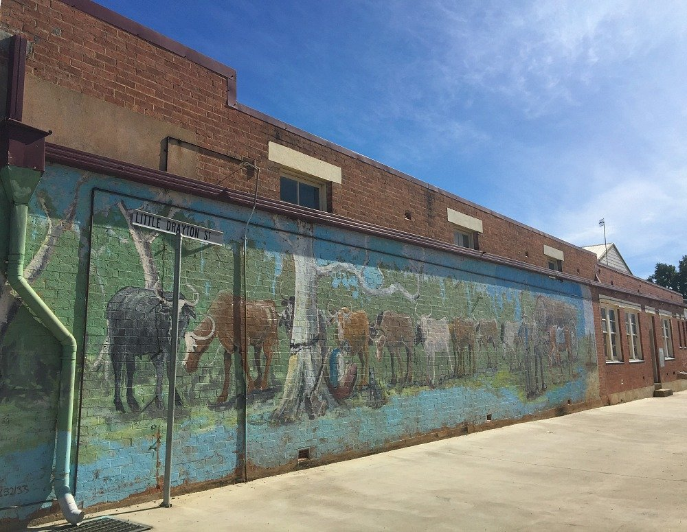Nanango Wall Murals and a Walk down Memory Lane