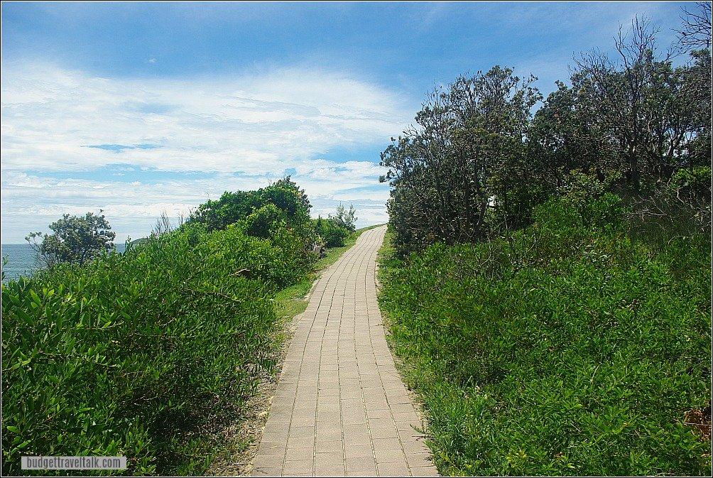 Emerald Beach Walk to Look At Me Headland Coffs Harbour
