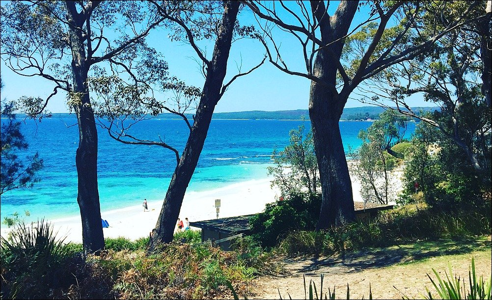 Hyams Beach Views from upper Cyrus Street