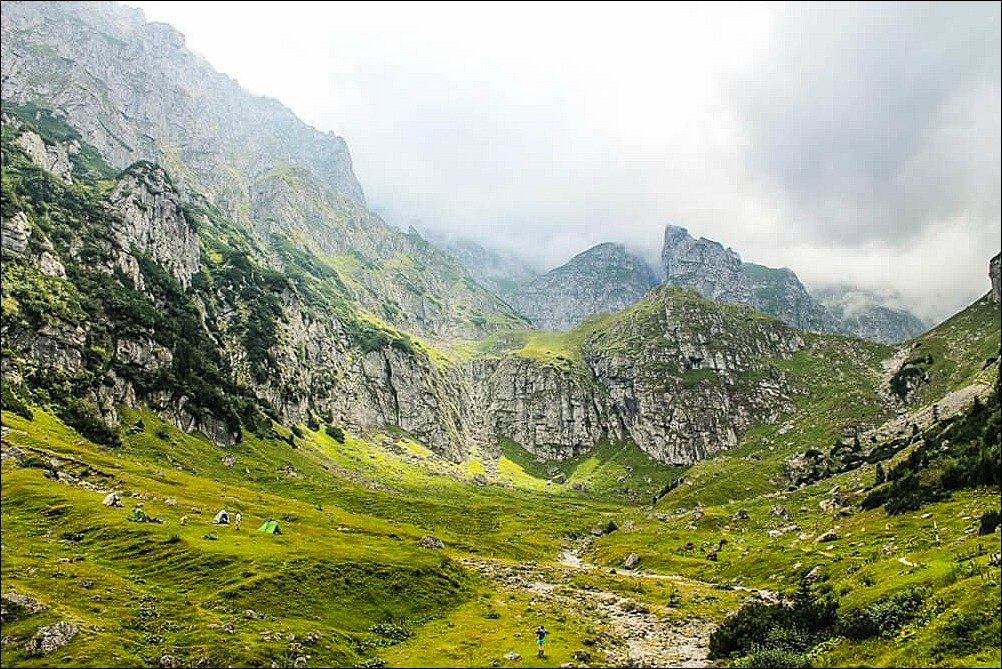 Trekking in Romania to Malaiesti Hut