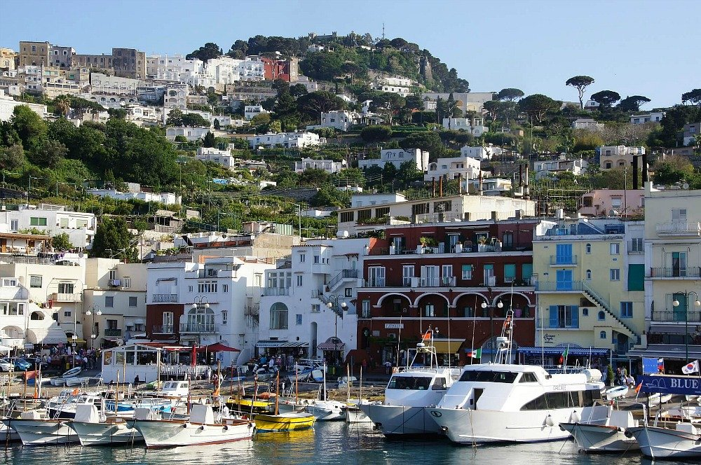 Budget Travel Tips for Capri Italy